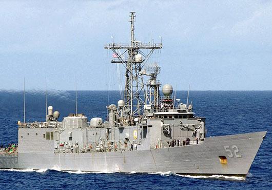 USS Carr, USNS Charles Drew Conduct Underway Replenishment